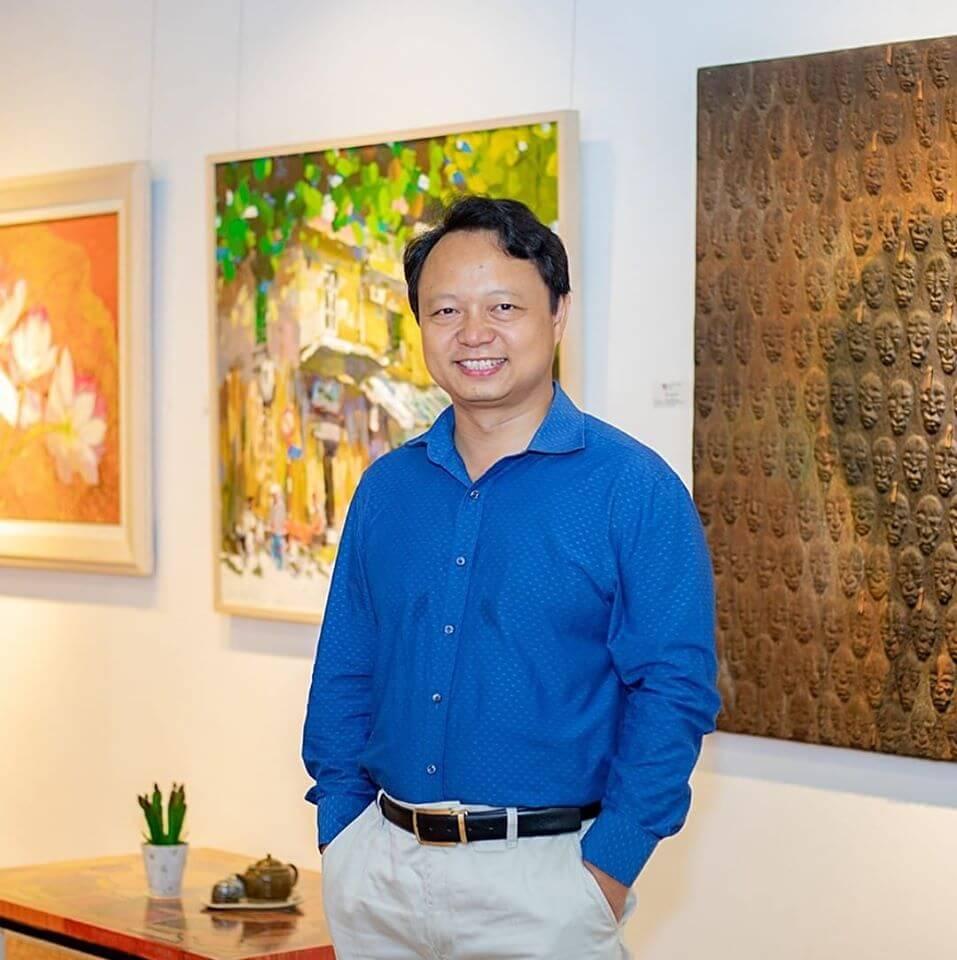 Nguyen Art Gallery Owner