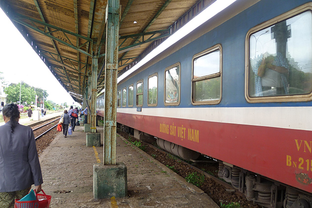 Vietnam travel by train