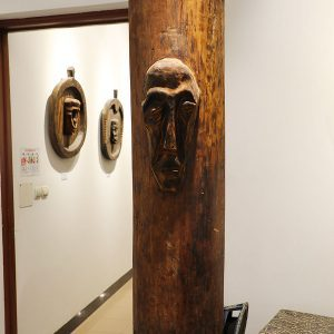 Wooden Portrait 61 - Bui Duc