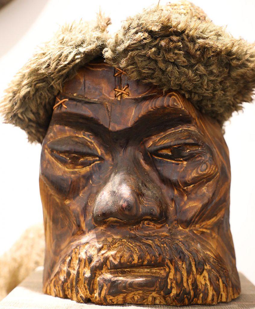 Wooden Portrait 75 - Bui Duc